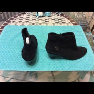 Fabulous black suede ankle boots, size 11